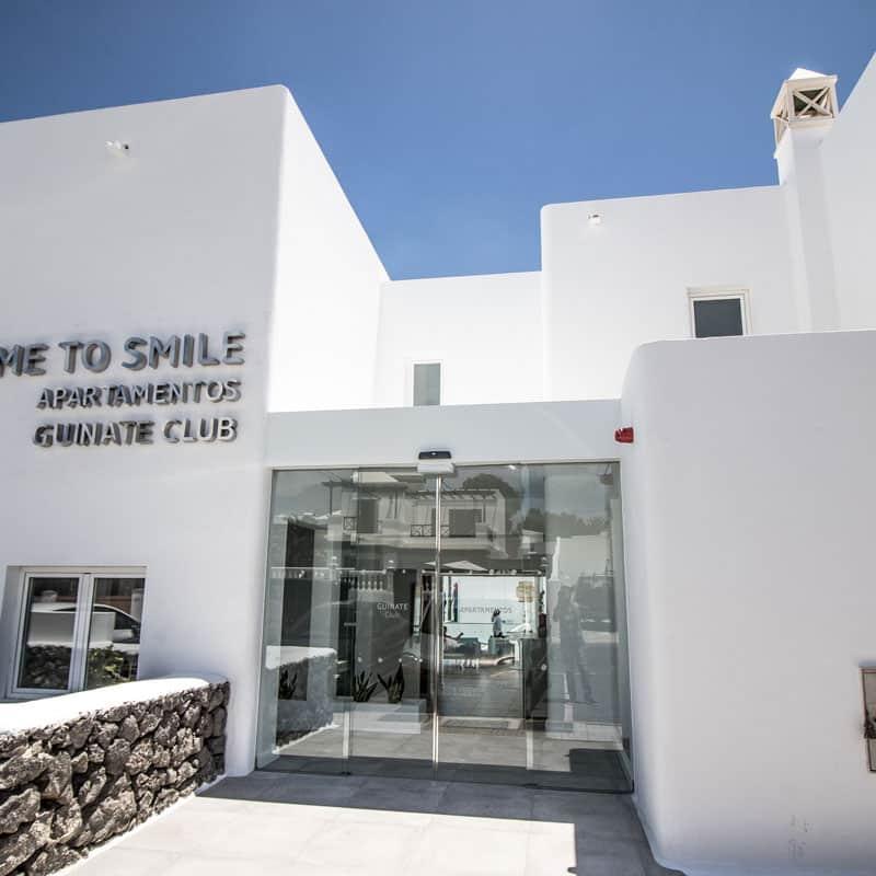 mojo dive apartamentos guinate club entrada blanca