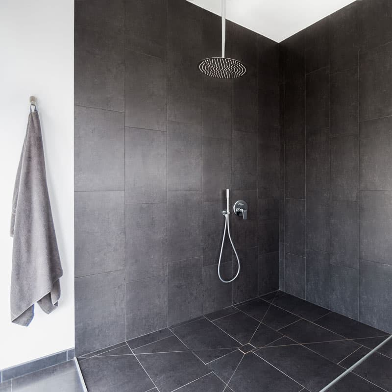 mojo dive villa iconic alojamiento en lanzarote ducha