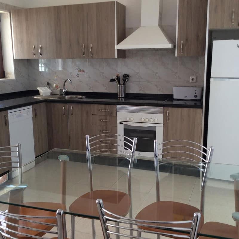 mojo dive villa tominel alojamiento en lanzarote cocina