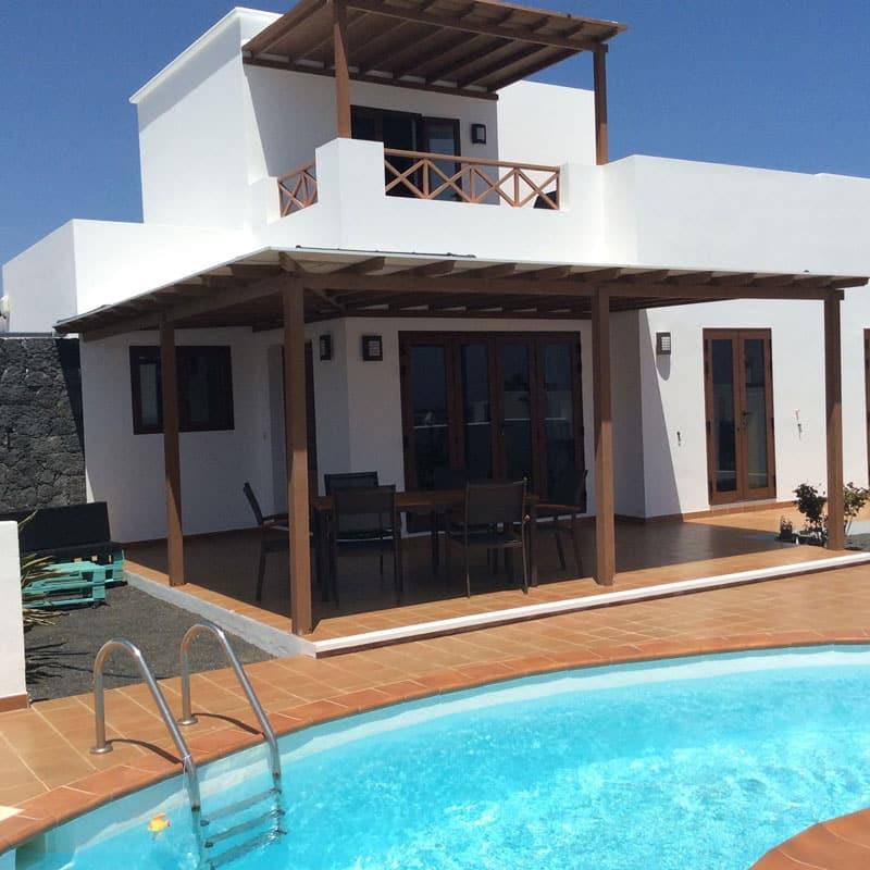 mojo dive villa tominel alojamiento en lanzarote piscina azul